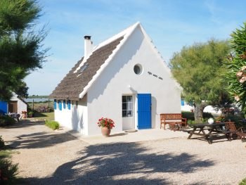 holiday-house-1522051_1280