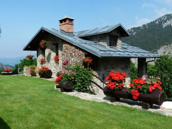 holiday-house-177401_1280