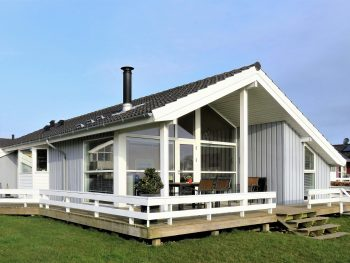 holiday-house-3322326_1280